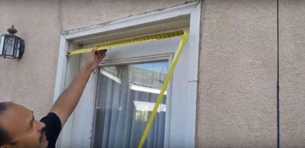 How to measure a screen door opening