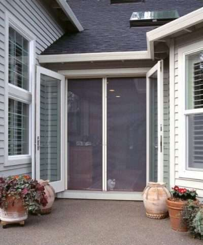 Milano-200-Retractable-Screen-Doors-for-patio-doors